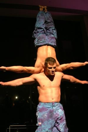 Cirque Performers