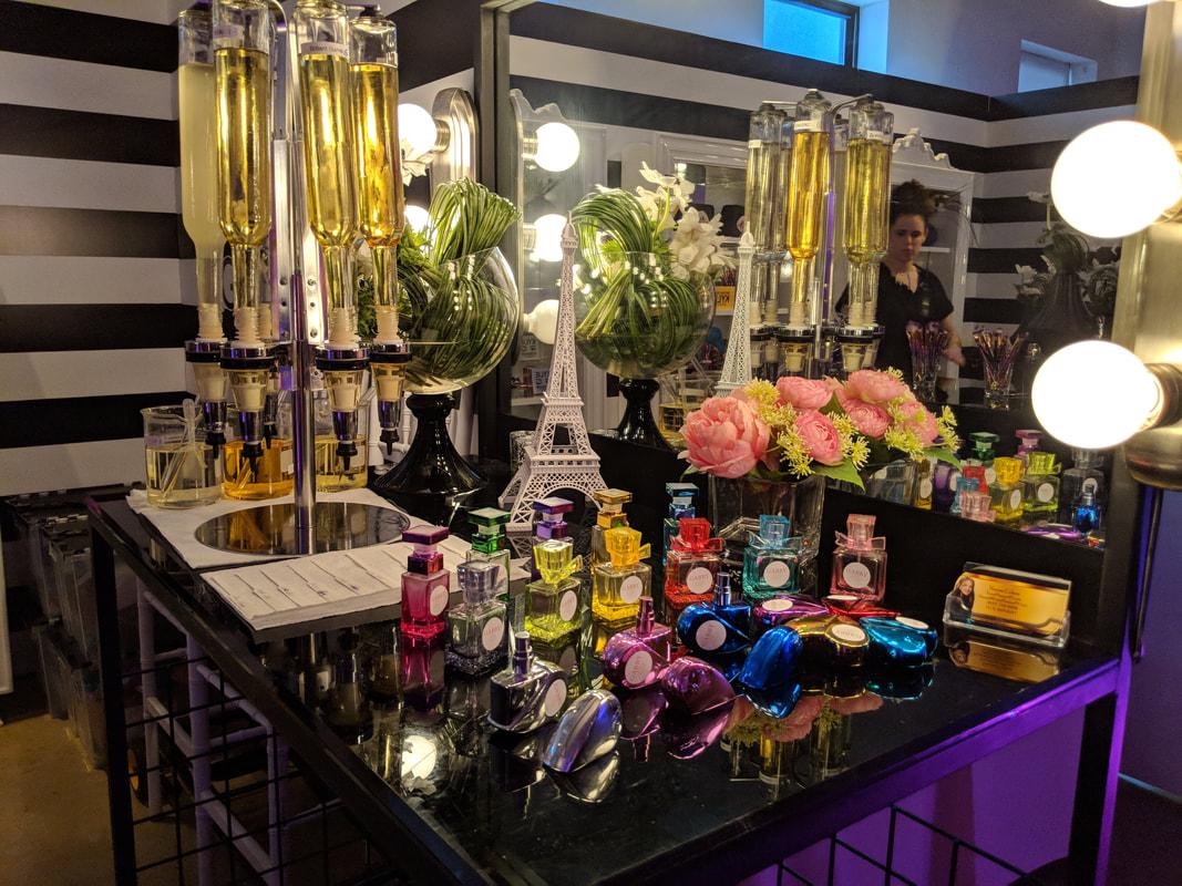 Perfume Shoppe (150 pieces)