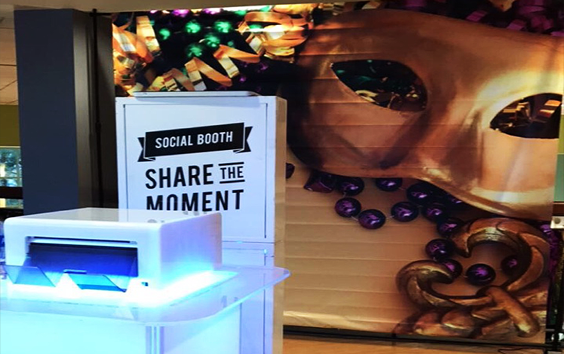 Social Photo Kiosk with Onsite Printing