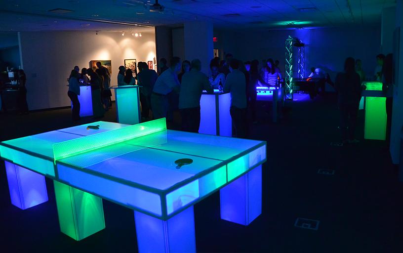 Glow Ping Pong