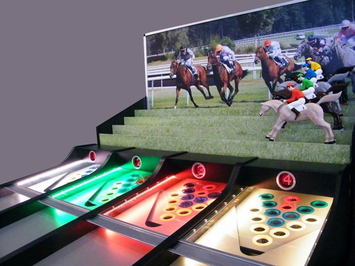 Roll-A-Ball Horse Racing